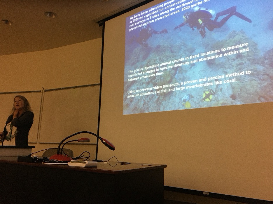 Shawn giving a talk about Seattle Aquarium research to University of Hawaii Hilo graduate students