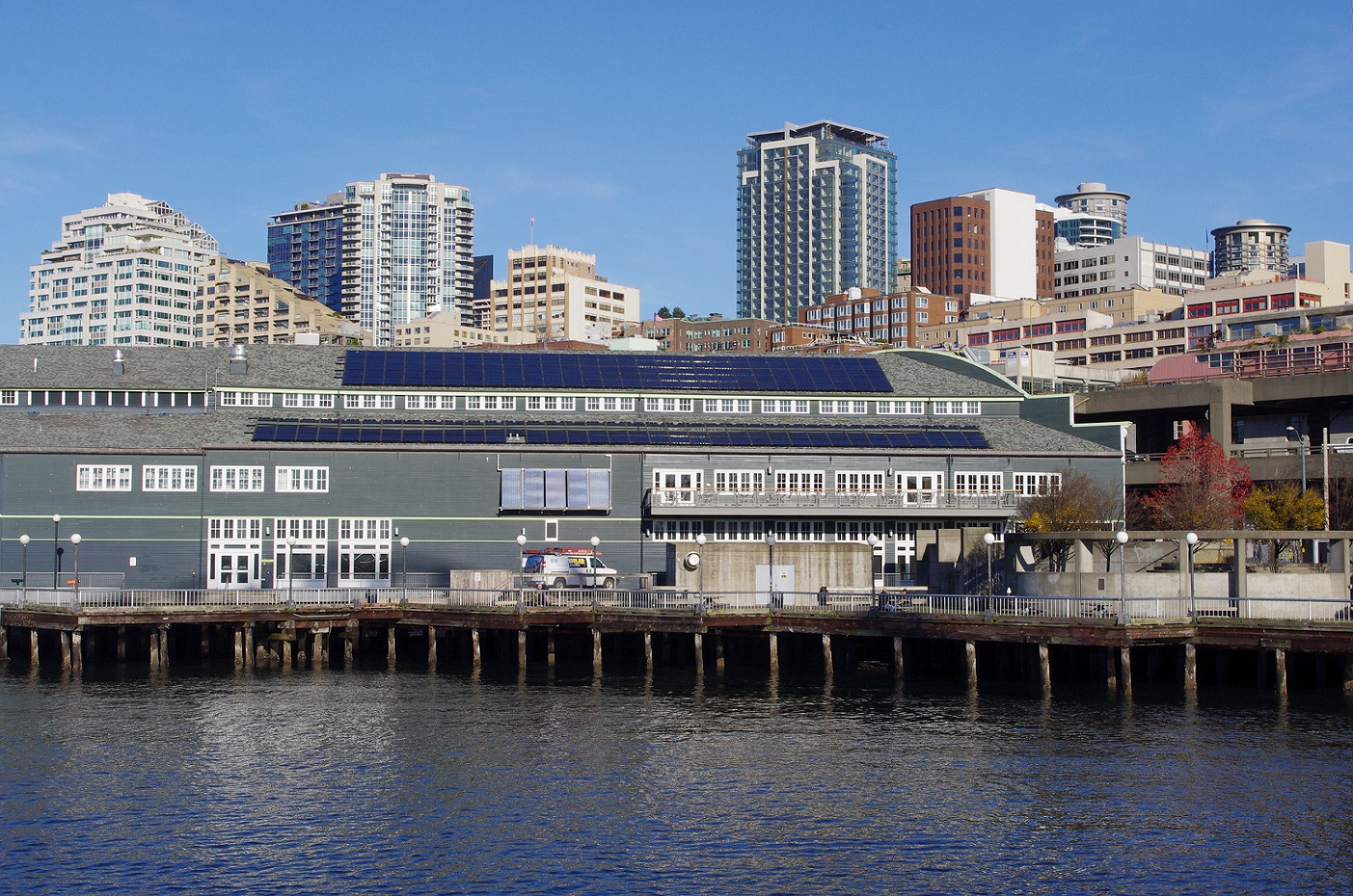 Seattle Aquarium with rooftop solar panels