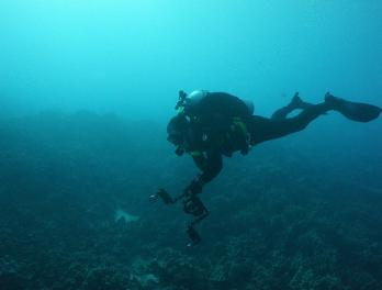 Jeff Christiansen scuba diving.