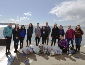 Youth Ocean Advocates beach cleanup